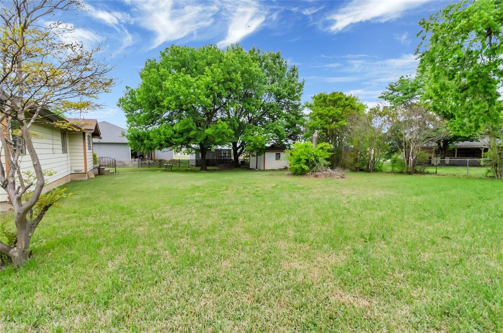 1100 Church  Street, Decatur, Texas 76234 - acquisto real estate best realtor foreclosure real estate mike shepeherd walnut grove realtor
