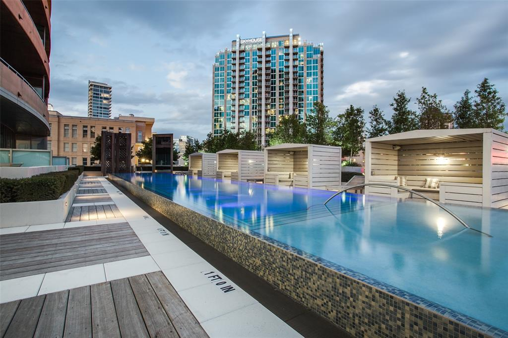 2200 Victory  Avenue, Dallas, Texas 75219 - acquisto real estate best photos for luxury listings amy gasperini quick sale real estate