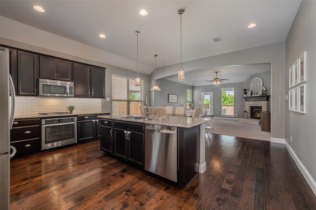 600 Sundrop  Drive, Little Elm, Texas 75068 - acquisto real estate best listing listing agent in texas shana acquisto rich person realtor
