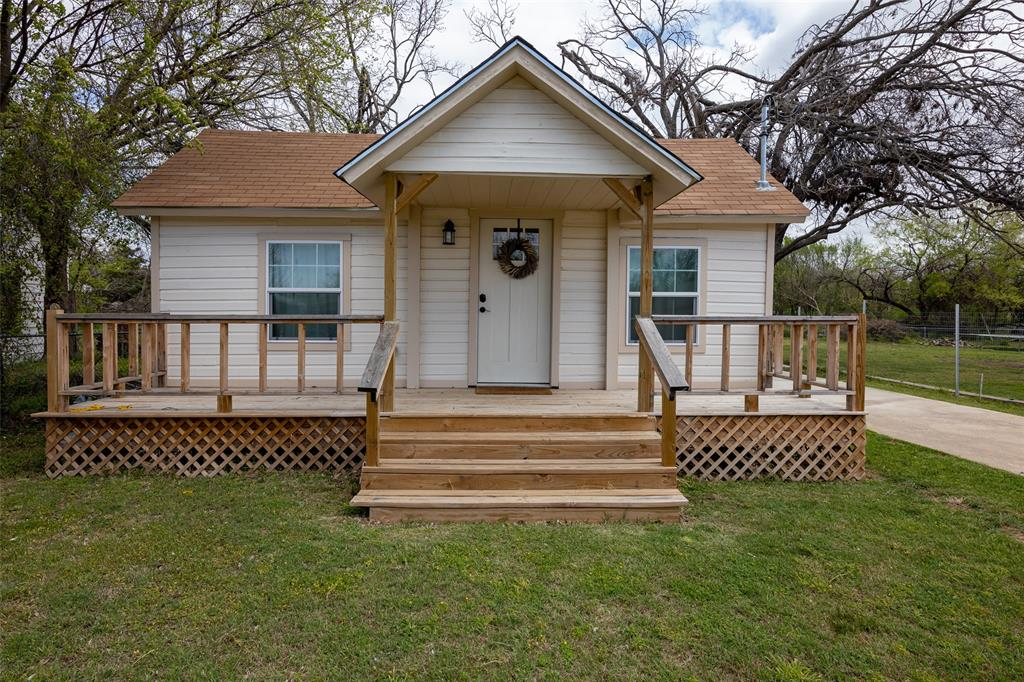 309 Wilbarger  Street, Bowie, Texas 76230 - Acquisto Real Estate best frisco realtor Amy Gasperini 1031 exchange expert