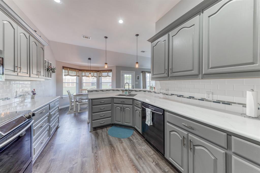 1029 Calinco  Drive, Granbury, Texas 76048 - acquisto real estate best new home sales realtor linda miller executor real estate