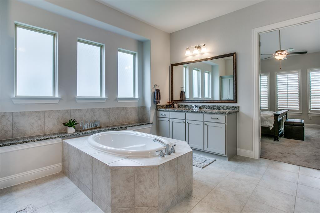 1705 Pattenson  Trail, Fort Worth, Texas 76052 - acquisto real estate best photos for luxury listings amy gasperini quick sale real estate