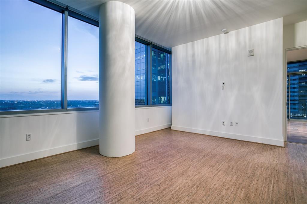 2200 Victory  Avenue, Dallas, Texas 75219 - acquisto real estate best luxury buyers agent in texas shana acquisto inheritance realtor