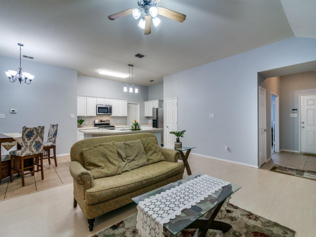 321 Highland Creek  Drive, Wylie, Texas 75098 - acquisto real estate best celina realtor logan lawrence best dressed realtor