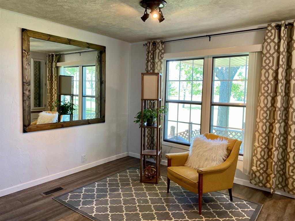 1524 County Road 1107b  Cleburne, Texas 76031 - acquisto real estate best designer and realtor hannah ewing kind realtor
