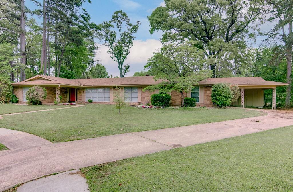 6 Canadian  Circle, Texarkana, Texas 75503 - Acquisto Real Estate best frisco realtor Amy Gasperini 1031 exchange expert