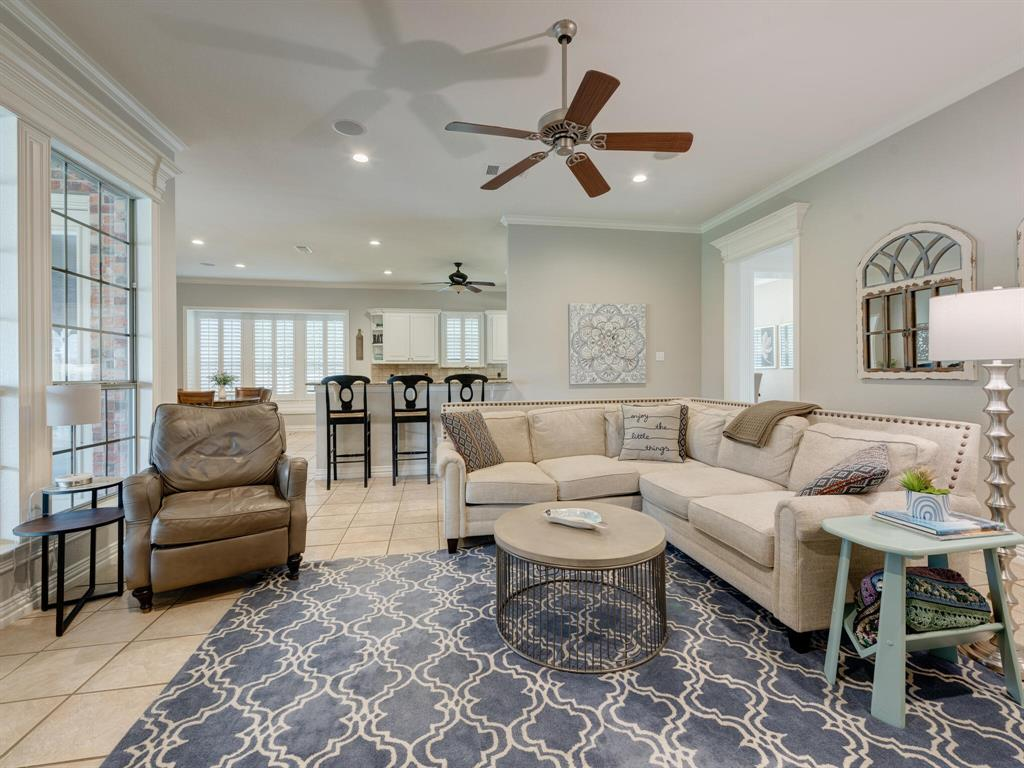 8309 Valley Oaks  Drive, North Richland Hills, Texas 76182 - acquisto real estate best new home sales realtor linda miller executor real estate