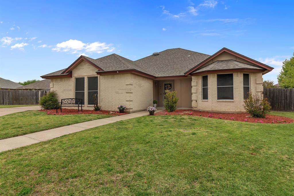 101 Saint James  Court, Rhome, Texas 76078 - acquisto real estate best negotiating realtor linda miller declutter realtor