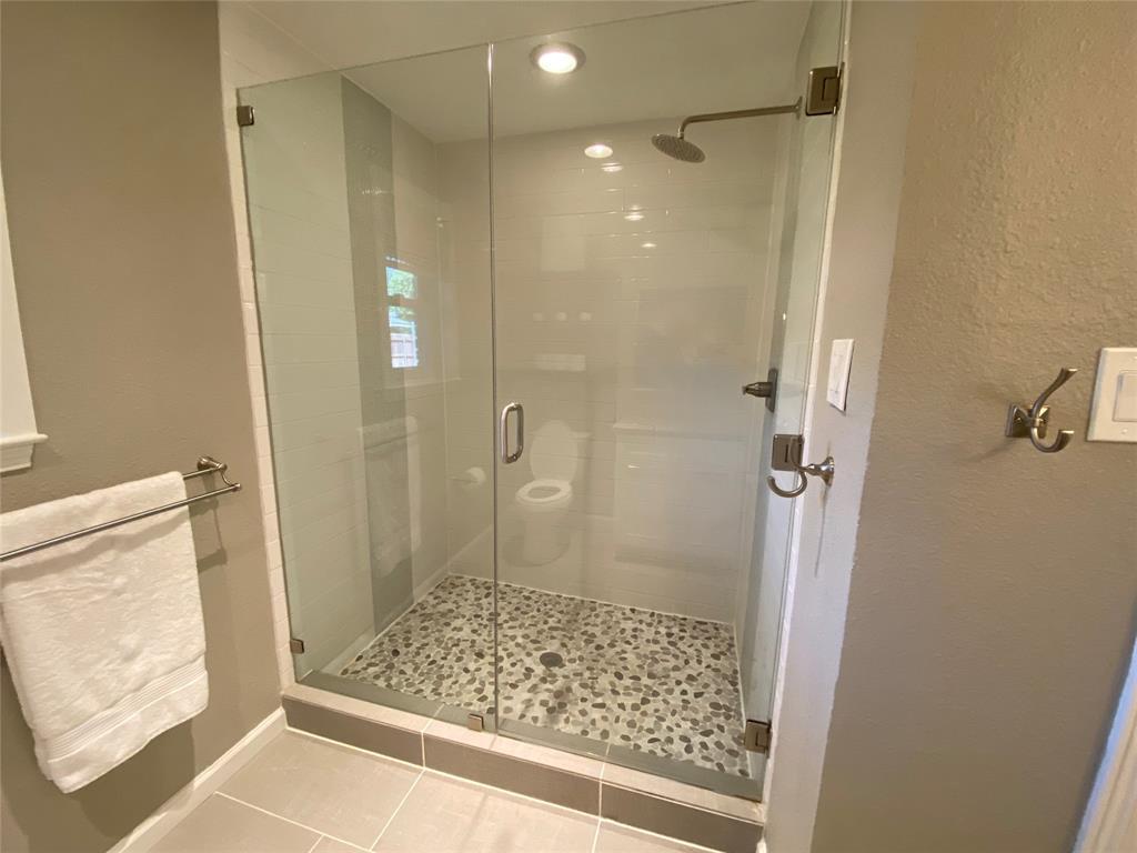 7227 Bluefield  Drive, Dallas, Texas 75248 - acquisto real estate best realtor dfw jody daley liberty high school realtor