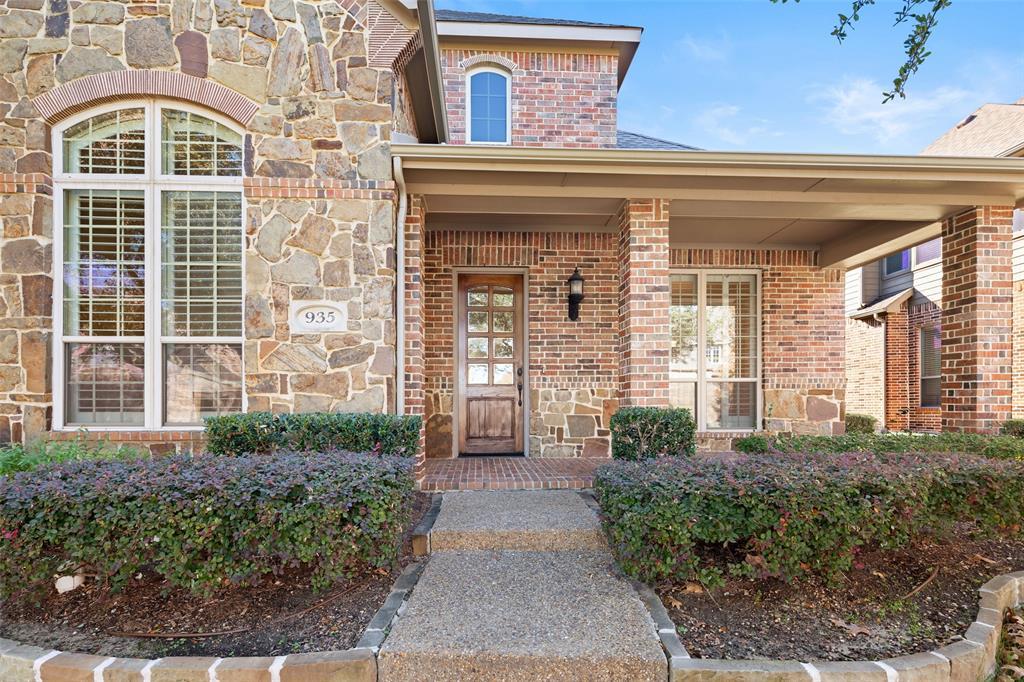 935 Pine Burst  Drive, Allen, Texas 75013 - acquisto real estate best allen realtor kim miller hunters creek expert