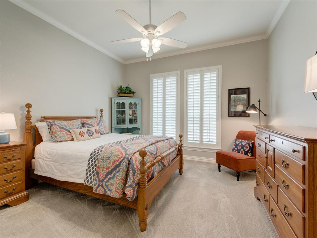 8309 Valley Oaks  Drive, North Richland Hills, Texas 76182 - acquisto real estate best listing photos hannah ewing mckinney real estate expert