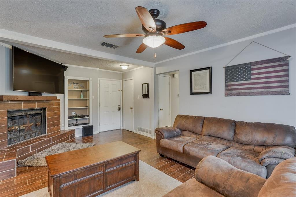 6529 Wooddale  Drive, Watauga, Texas 76148 - acquisto real estate best prosper realtor susan cancemi windfarms realtor