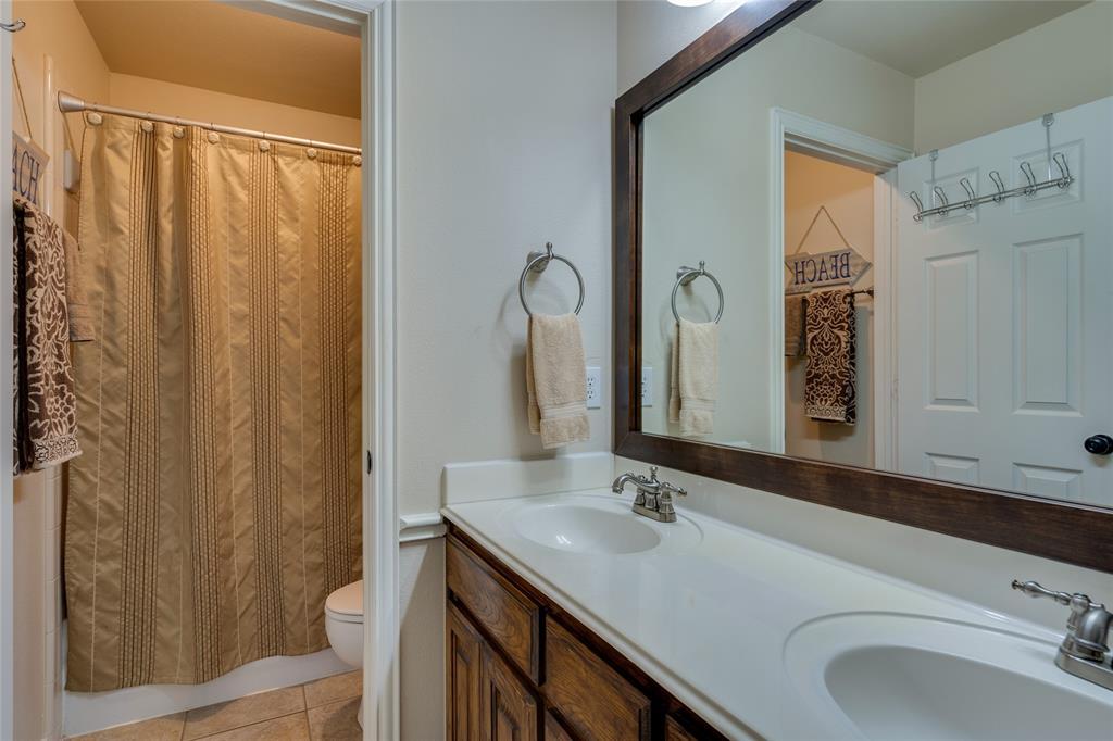 2000 Ledgestone  Drive, Corinth, Texas 76210 - acquisto real estate best listing photos hannah ewing mckinney real estate expert