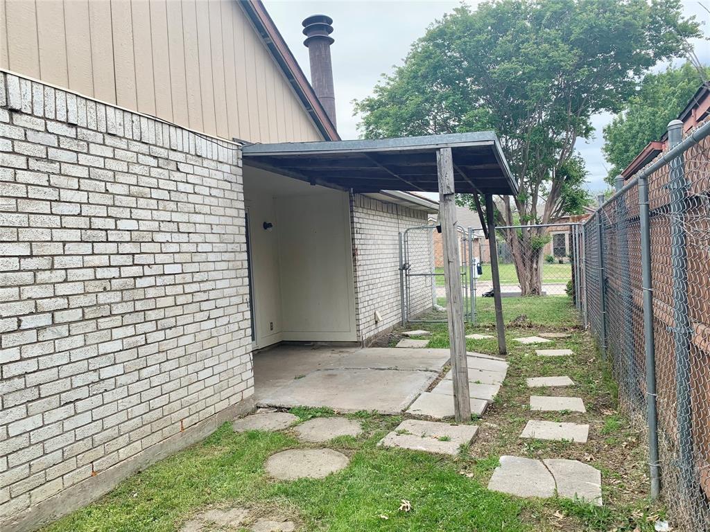 312 Navarro  Lane, Grand Prairie, Texas 75052 - acquisto real estate best investor home specialist mike shepherd relocation expert