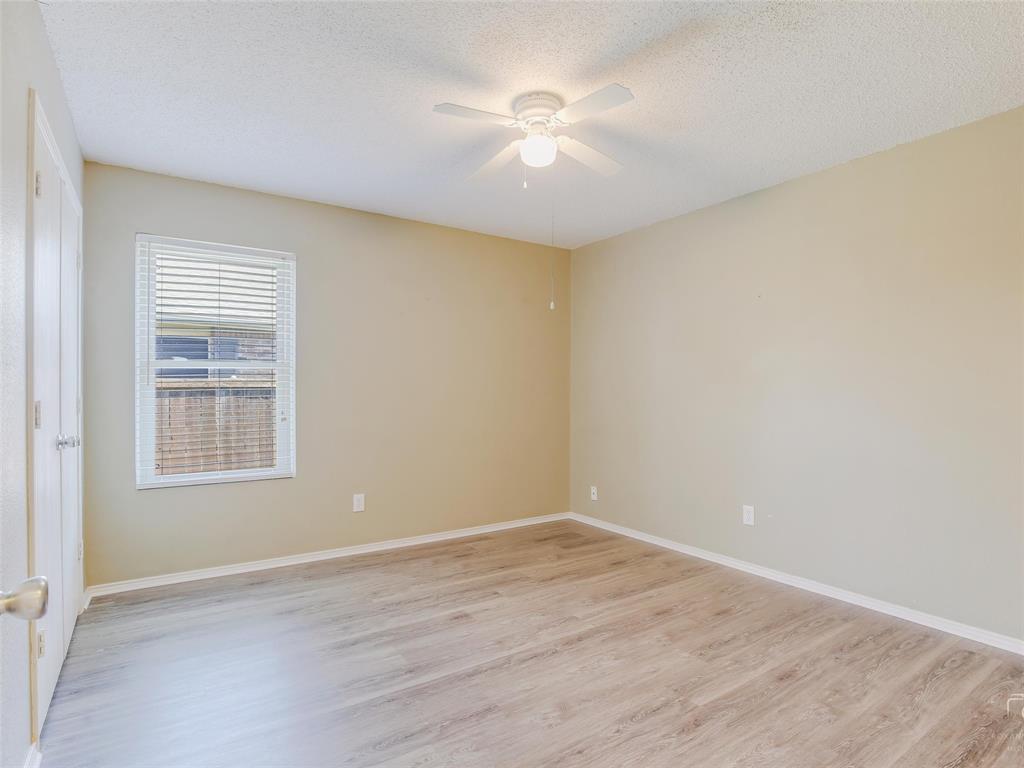 2516 Red Oak  Drive, Little Elm, Texas 75068 - acquisto real estate best realtor foreclosure real estate mike shepeherd walnut grove realtor