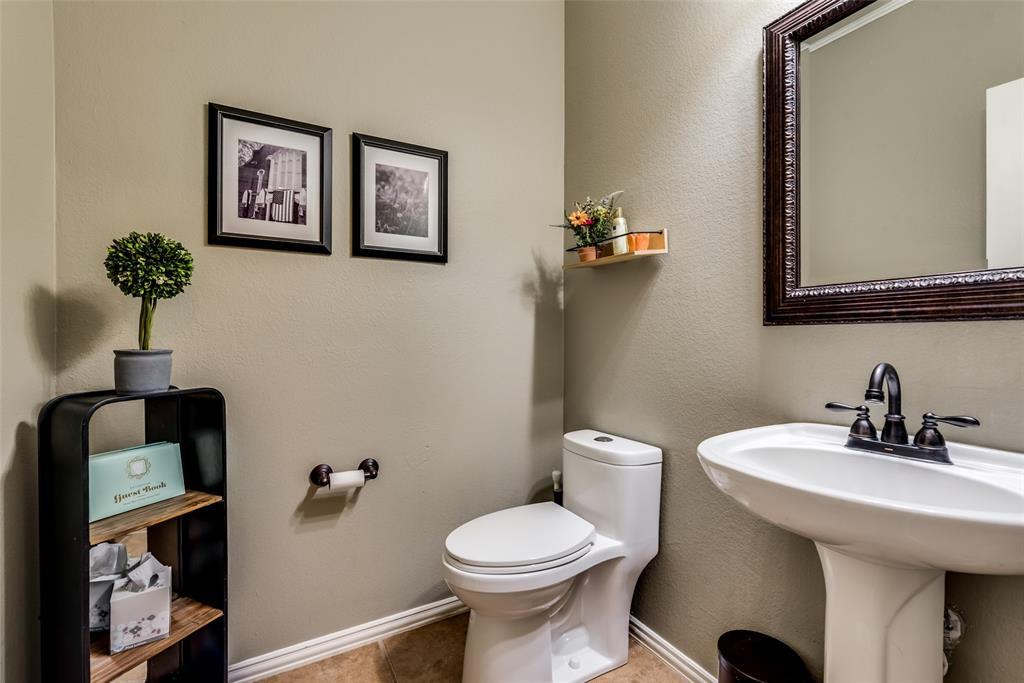 1507 Ridgetop  Court, Rockwall, Texas 75032 - acquisto real estate best realtor foreclosure real estate mike shepeherd walnut grove realtor