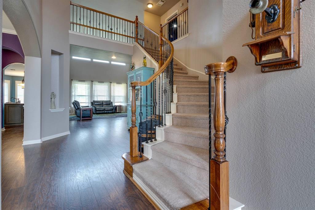 340 Cedar Crest  Drive, Justin, Texas 76247 - acquisto real estate best celina realtor logan lawrence best dressed realtor