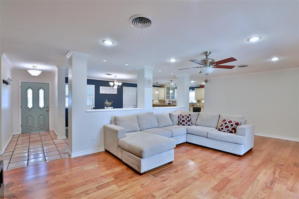 2215 Oakwood  Lane, Abilene, Texas 79605 - acquisto real estate best luxury buyers agent in texas shana acquisto inheritance realtor