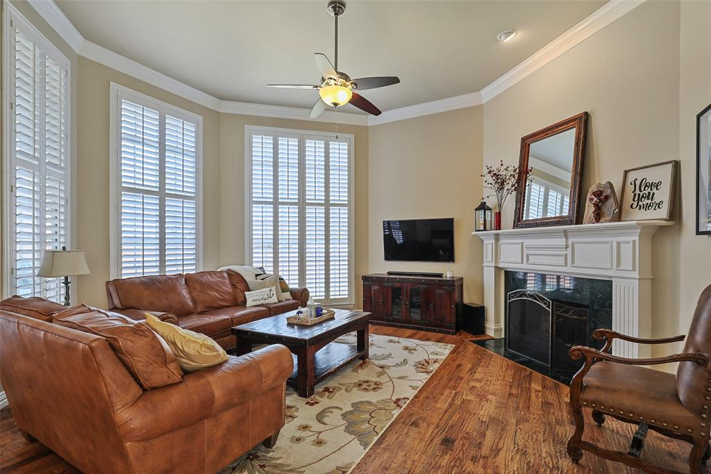 3828 Peppertree  Drive, Carrollton, Texas 75007 - acquisto real estate best real estate company to work for
