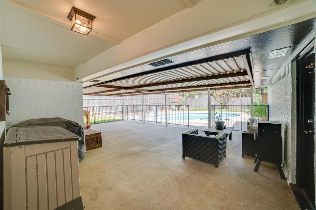 2426 Sherwood  Drive, Grand Prairie, Texas 75050 - acquisto real estate best highland park realtor amy gasperini fast real estate service