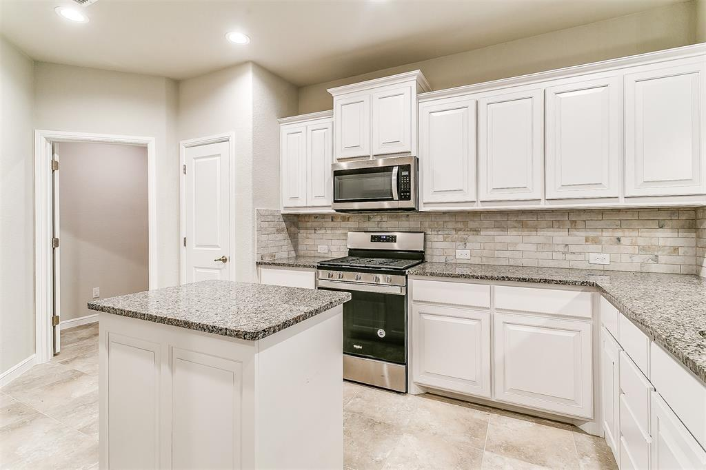 568 Pendennis  Drive, Saginaw, Texas 76131 - acquisto real estate best real estate company to work for
