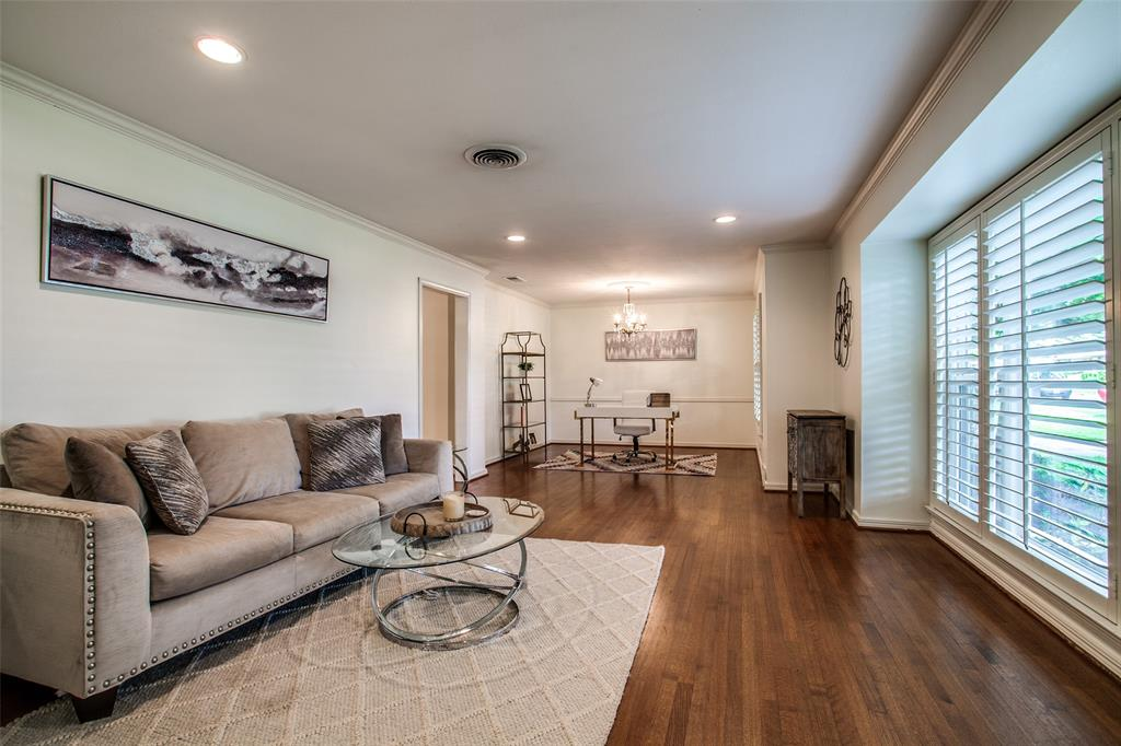 6240 Saratoga  Circle, Dallas, Texas 75214 - acquisto real estate best allen realtor kim miller hunters creek expert