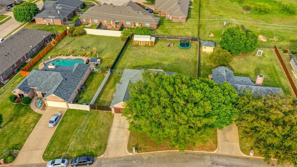 1029 Calinco  Drive, Granbury, Texas 76048 - acquisto real estate best plano real estate agent mike shepherd