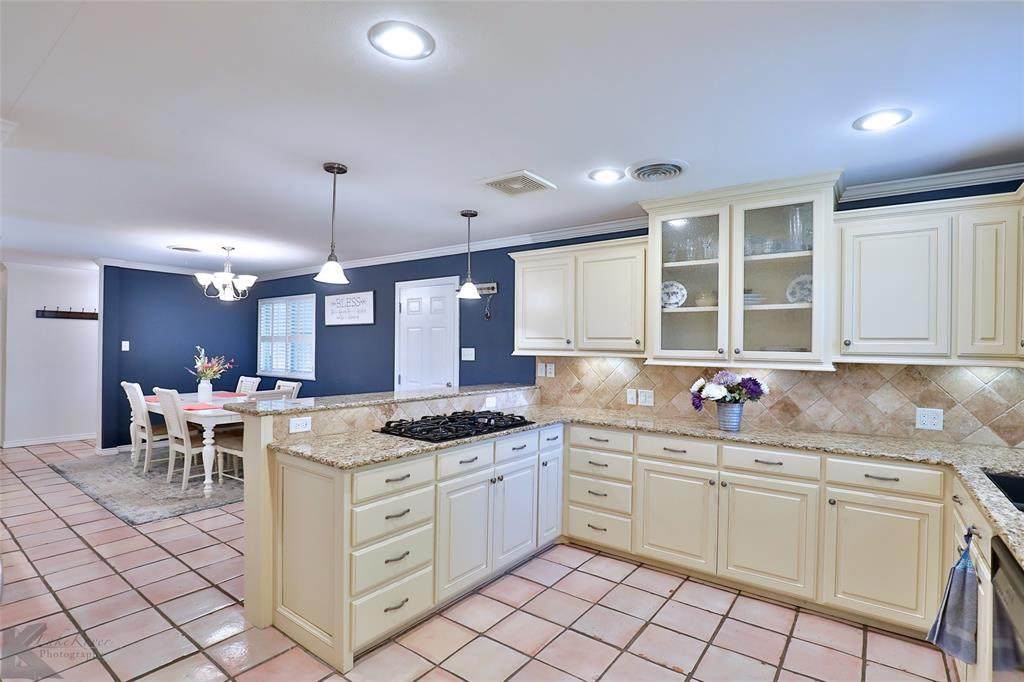 2215 Oakwood  Lane, Abilene, Texas 79605 - acquisto real estate best highland park realtor amy gasperini fast real estate service
