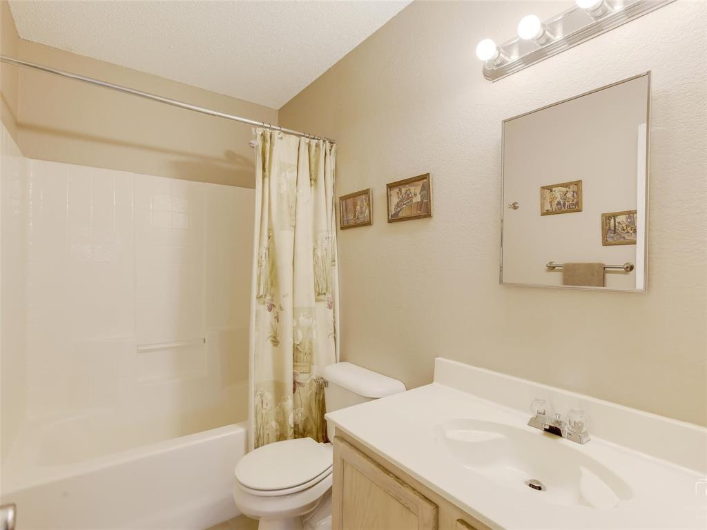 2516 Red Oak  Drive, Little Elm, Texas 75068 - acquisto real estate best realtor westlake susan cancemi kind realtor of the year