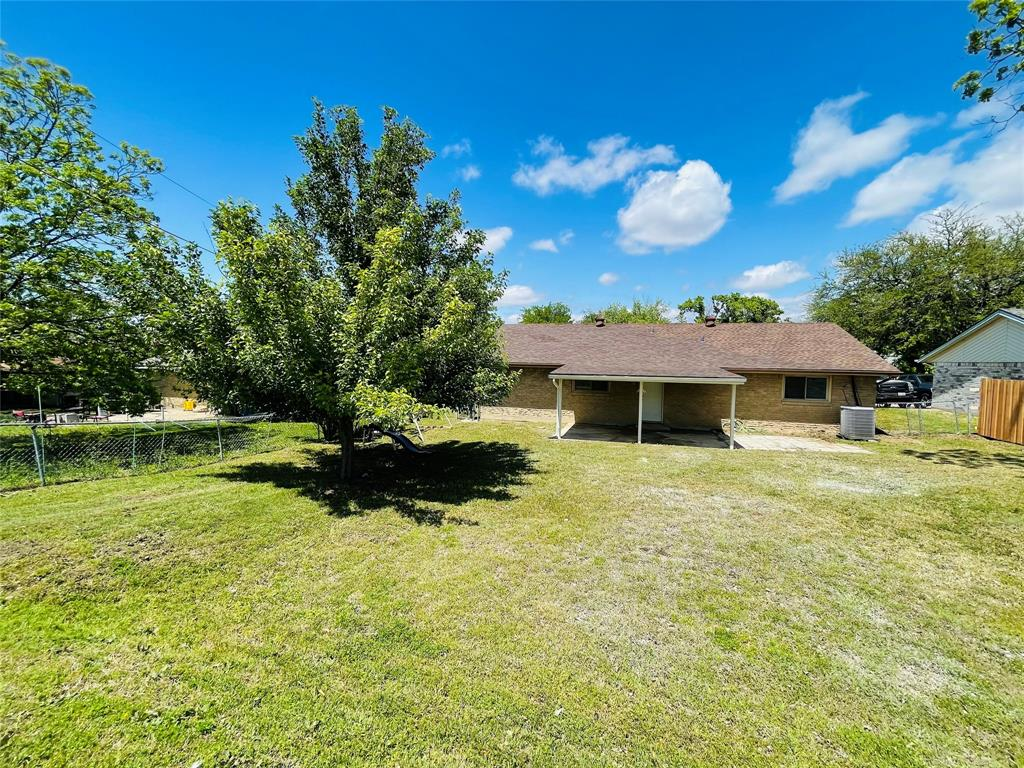 2636 Bluebird  Lane, Mesquite, Texas 75149 - acquisto real estaet best boutique real estate firm in texas for high net worth sellers