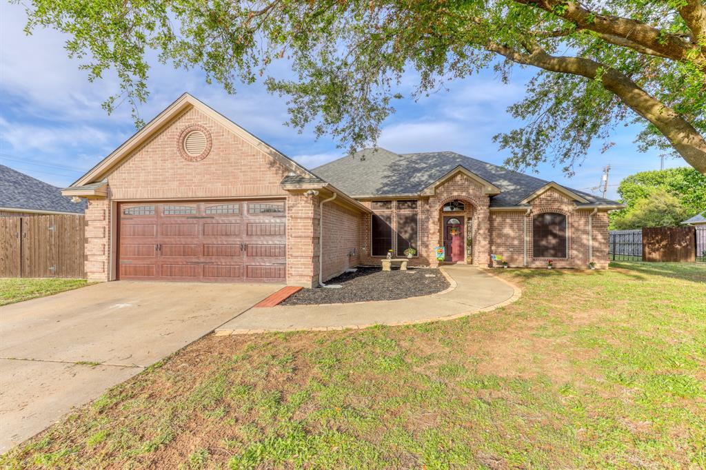 1029 Calinco  Drive, Granbury, Texas 76048 - acquisto real estate best listing photos hannah ewing mckinney real estate expert