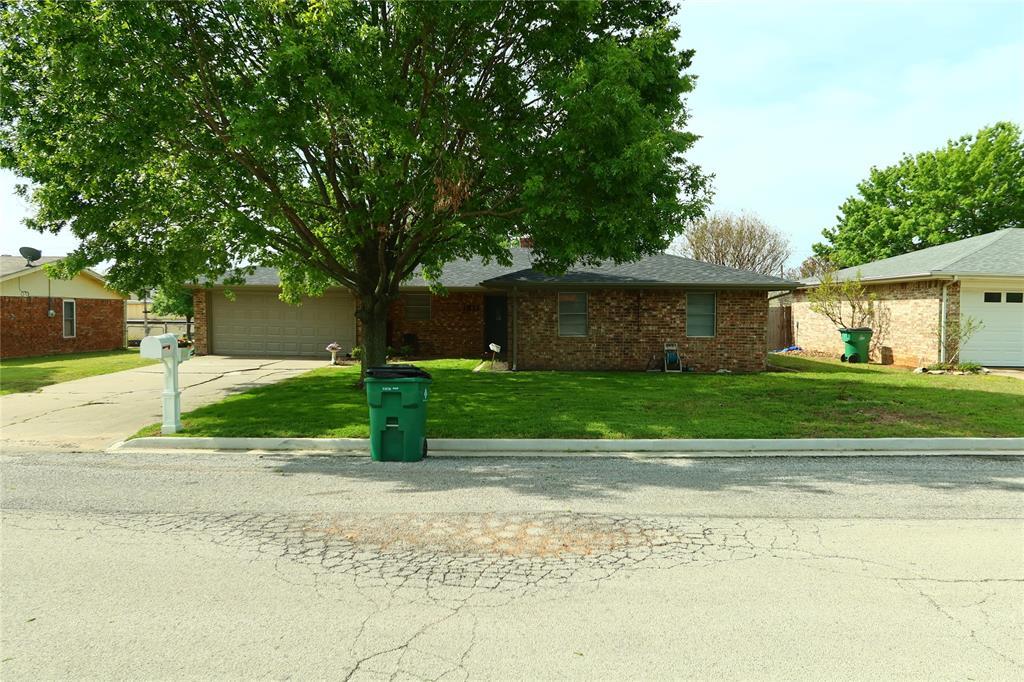 1511 Linda  Street, Bowie, Texas 76230 - Acquisto Real Estate best frisco realtor Amy Gasperini 1031 exchange expert