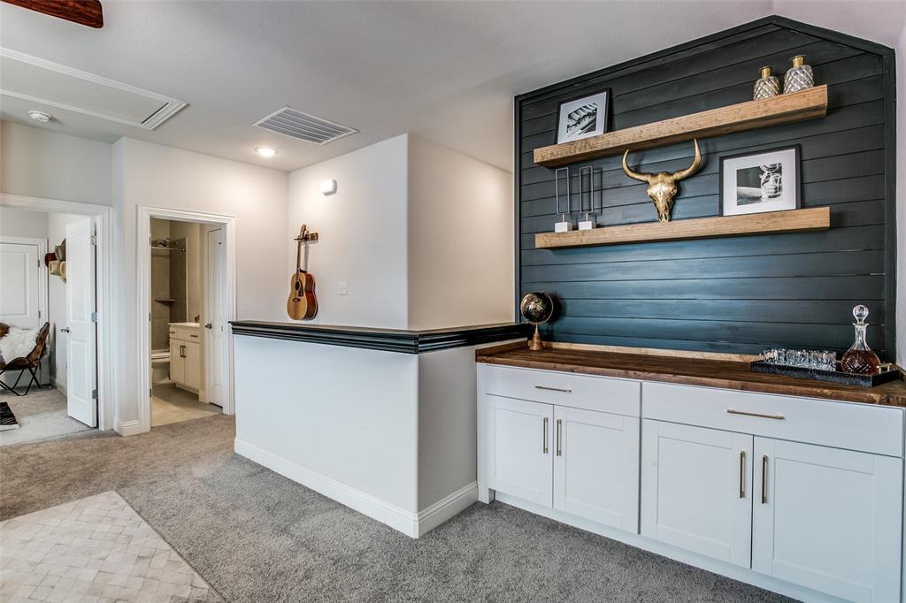 1704 Bellinger  Drive, Fort Worth, Texas 76052 - acquisto real estate best negotiating realtor linda miller declutter realtor