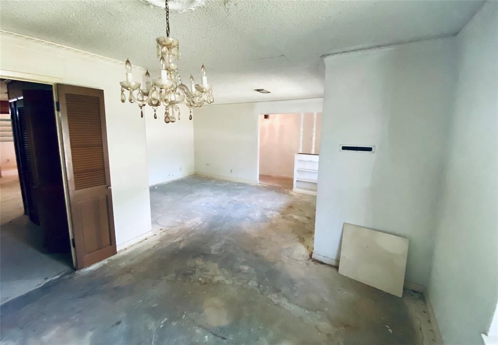 5640 Trailwood  Drive, Dallas, Texas 75241 - acquisto real estate best prosper realtor susan cancemi windfarms realtor