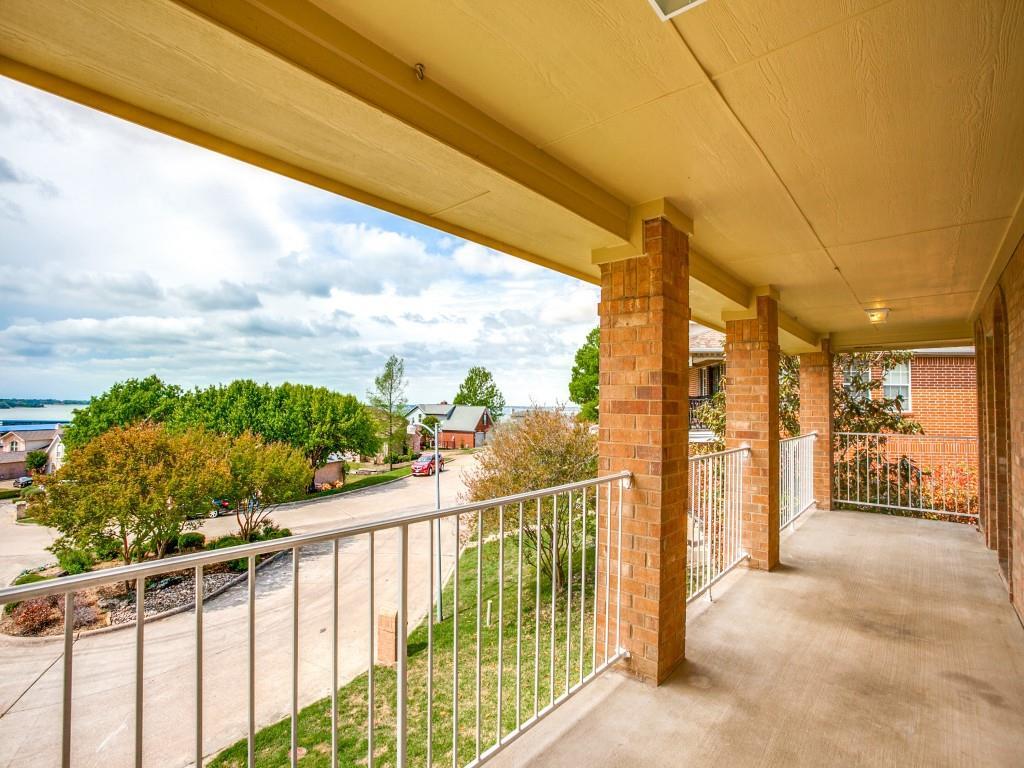 318 Harbor Landing  Drive, Rockwall, Texas 75032 - acquisto real estate best park cities realtor kim miller best staging agent