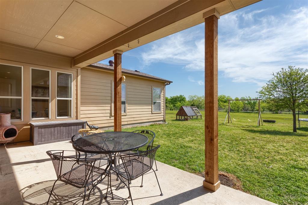 252 Emberson Ranch  Road, Pilot Point, Texas 76258 - acquisto real estate best realtor dfw jody daley liberty high school realtor