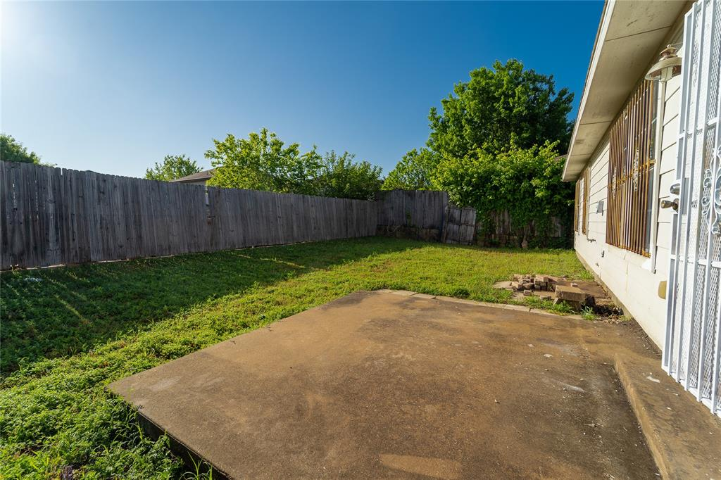 6136 Balcony  Lane, Dallas, Texas 75241 - acquisto real estate best allen realtor kim miller hunters creek expert