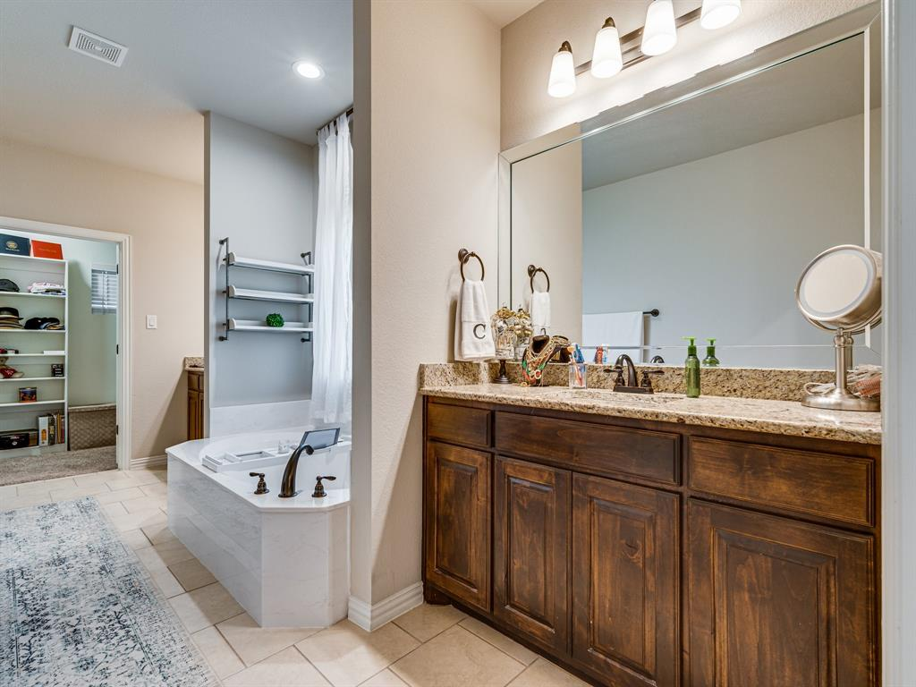 104 Piper  Parkway, Waxahachie, Texas 75165 - acquisto real estate best park cities realtor kim miller best staging agent