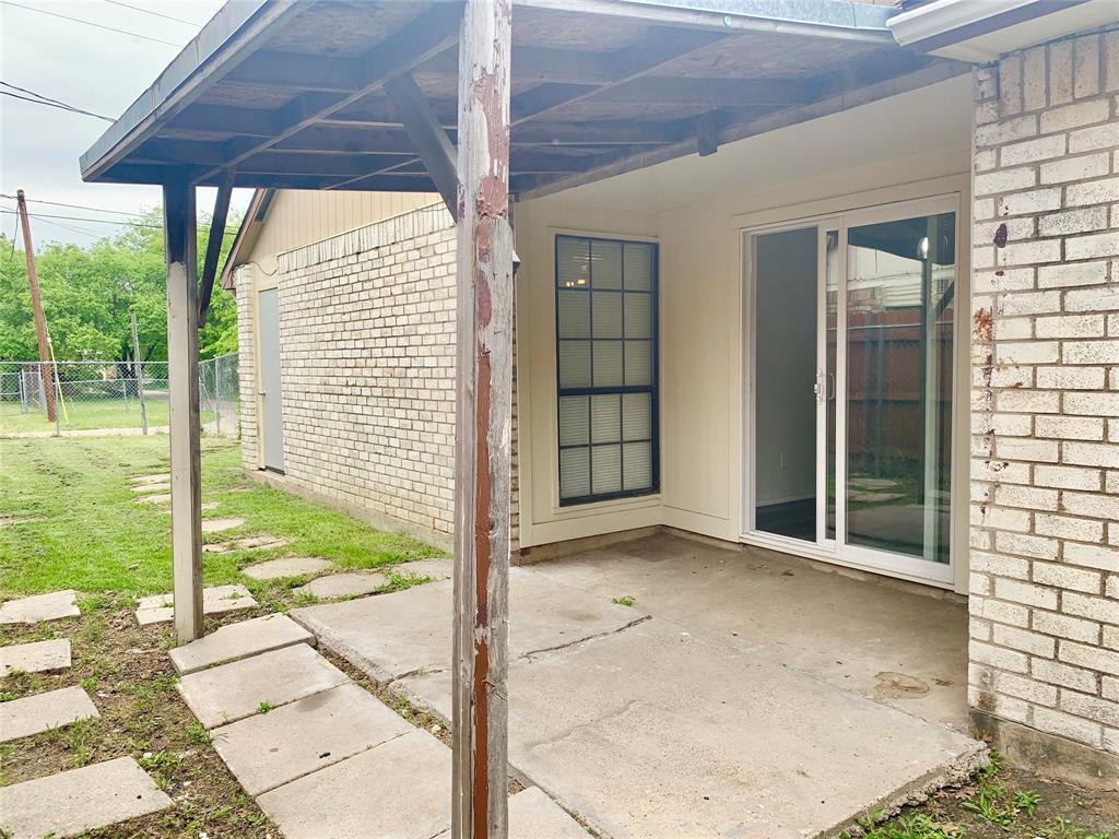312 Navarro  Lane, Grand Prairie, Texas 75052 - acquisto real estate best listing photos hannah ewing mckinney real estate expert