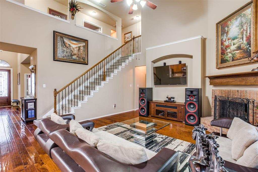 425 Crown Oaks  Drive, Fort Worth, Texas 76131 - acquisto real estate best real estate company to work for