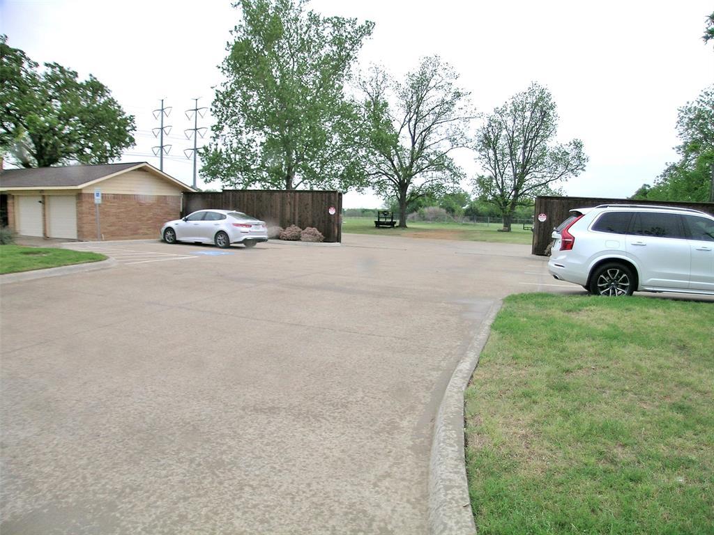 1617 Shady Grove  Road, Grand Prairie, Texas 75050 - acquisto real estate best allen realtor kim miller hunters creek expert