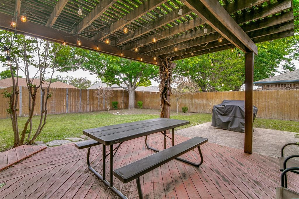 3205 Meadowood  Drive, Garland, Texas 75040 - acquisto real estate best realtor dallas texas linda miller agent for cultural buyers