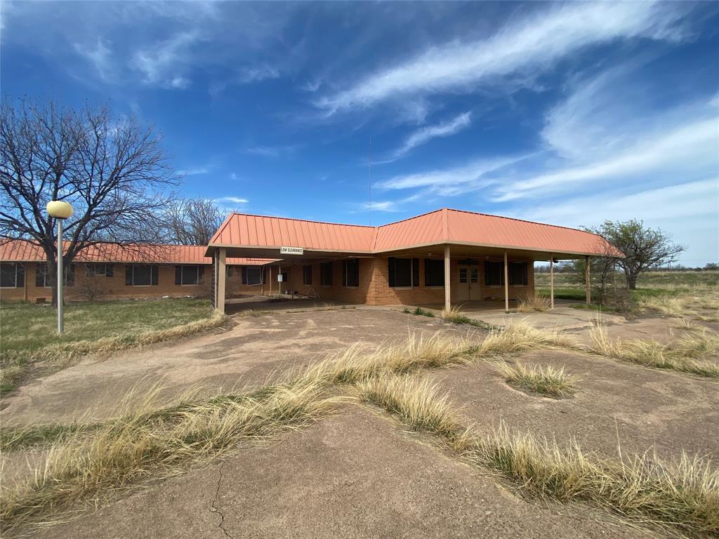 1000 Minter  Avenue, Throckmorton, Texas 76483 - Acquisto Real Estate best frisco realtor Amy Gasperini 1031 exchange expert