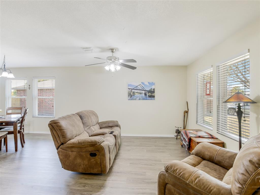 2516 Red Oak  Drive, Little Elm, Texas 75068 - acquisto real estate best real estate company to work for