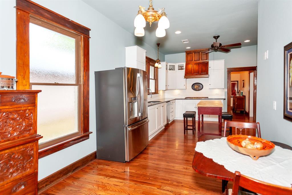 2260 Fairmount  Avenue, Fort Worth, Texas 76110 - acquisto real estate best designer and realtor hannah ewing kind realtor