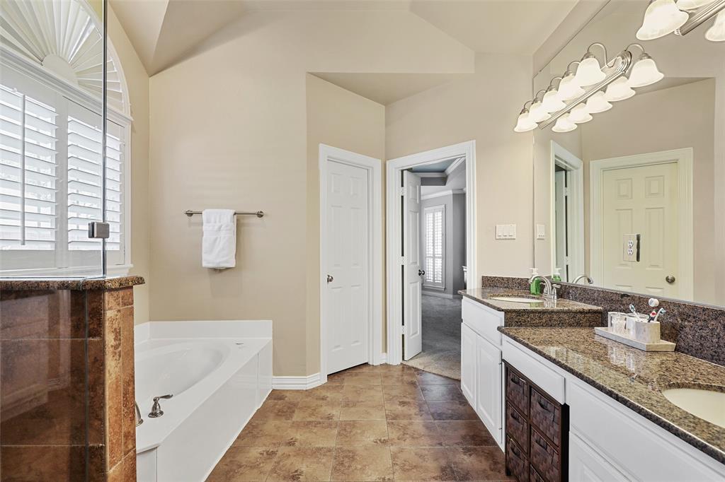3828 Peppertree  Drive, Carrollton, Texas 75007 - acquisto real estate best designer and realtor hannah ewing kind realtor