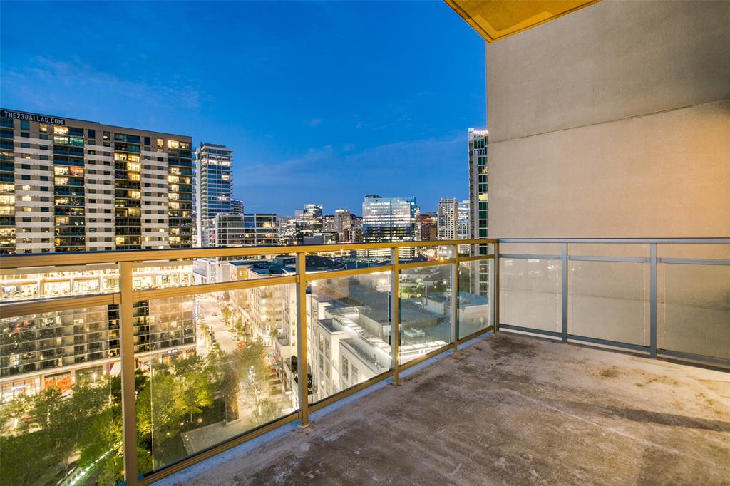 2200 Victory  Avenue, Dallas, Texas 75219 - acquisto real estaet best boutique real estate firm in texas for high net worth sellers