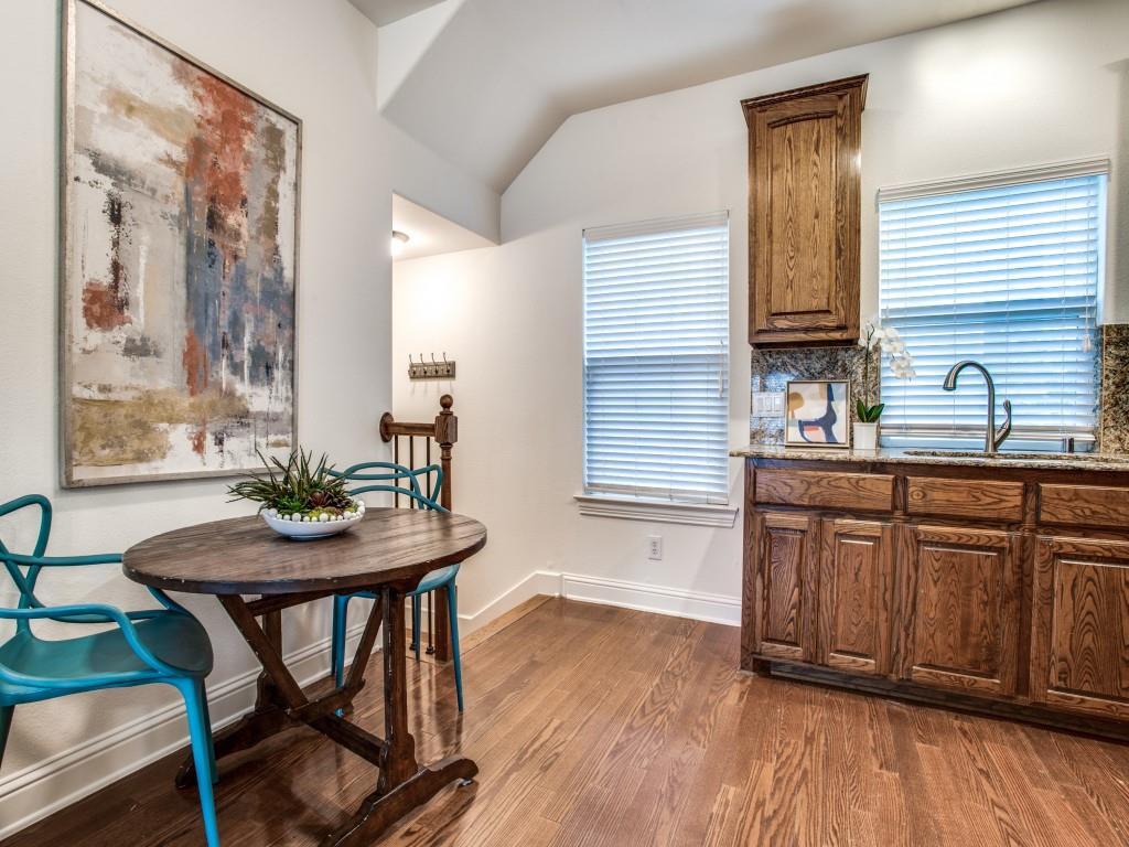 5803 Hudson  Street, Dallas, Texas 75206 - acquisto real estate best prosper realtor susan cancemi windfarms realtor