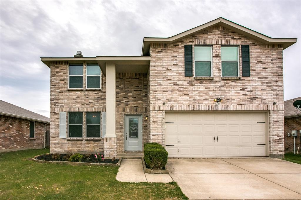 1724 Rialto  Way, Fort Worth, Texas 76247 - Acquisto Real Estate best plano realtor mike Shepherd home owners association expert