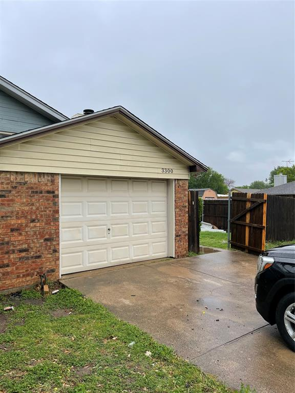 3300 Green Ridge  Street, Fort Worth, Texas 76133 - Acquisto Real Estate best plano realtor mike Shepherd home owners association expert